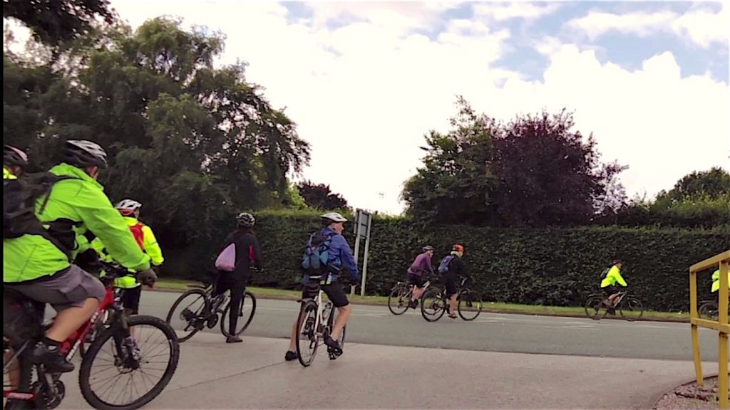 And They're Off, busy road to start with but after that it was a pretty quiet route!